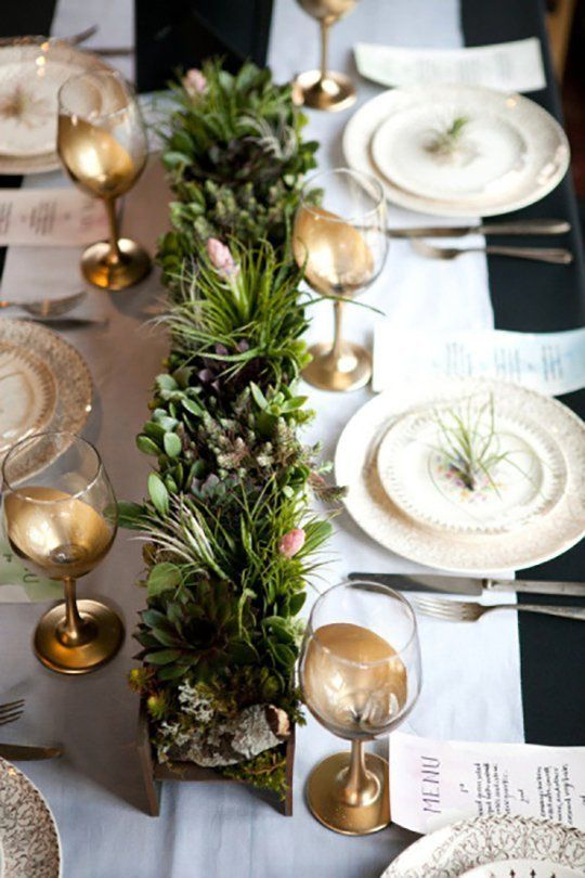 holiday table settings & Five Festive Holiday Table Settings Ideas | In Order to Succeed